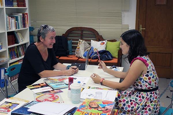 Spanisch-Schülerin und Lehrerin
